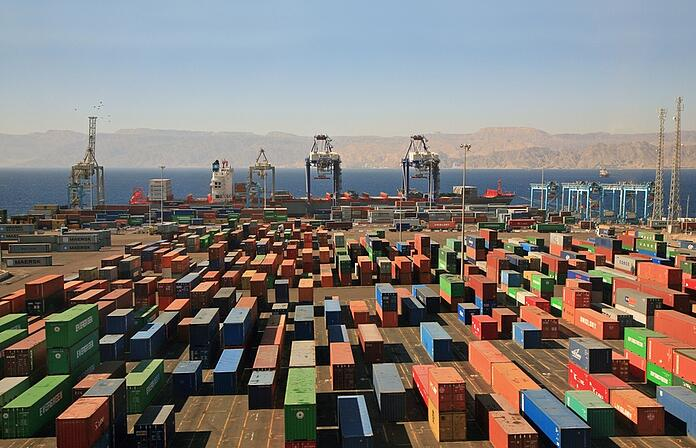 container shipyard